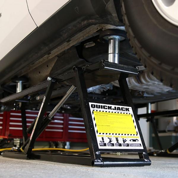Adaptateurs pour le levage des SUV et véhicules utilitaires