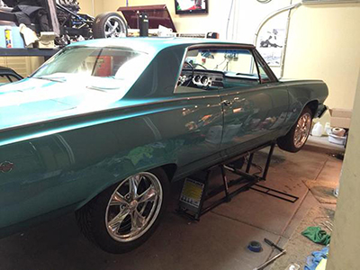 QuickJack Car Lift Muscle Car